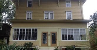 Victorian Bed & Breakfast of Staten Island - Staten Island - Building