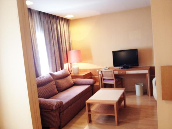 Hotel City House Florida Norte - Madrid - Sala de estar