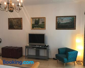 Lovely Flat in a Lovely City - Steyr - Sala de estar