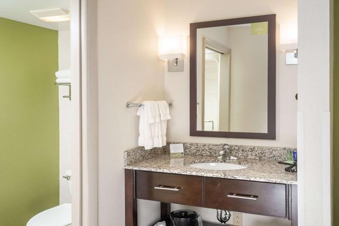 Sleep Inn - Charleston - Bathroom