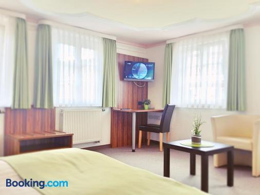 Hotel Garni Goldene Traube - Bad Windsheim - Bedroom