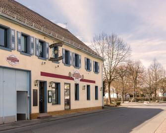 Pension Goldene Mitte - Groß-Zimmern - Gebäude
