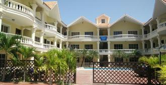 Blue Wave Bed & Breakfast - Punta Cana - Building