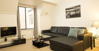 Regal Apartments - פרת'