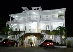 The Great House Inn - Belize City - Building