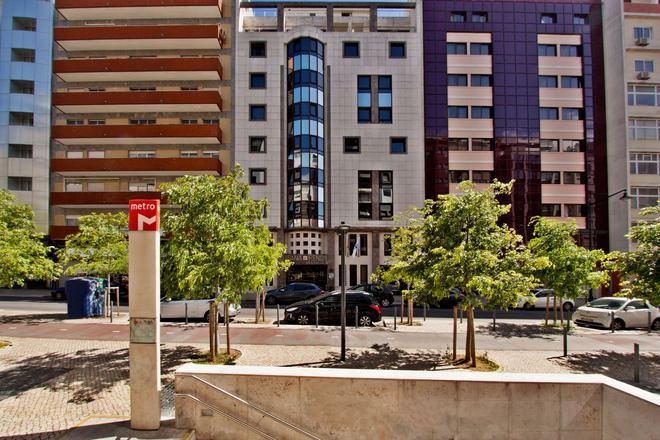 Sana Reno Hotel - Lisbon - Building