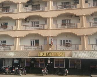 Hotel Meera - Dwārka - Building