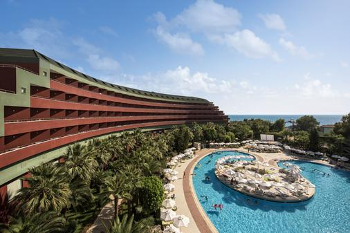 Delphin Deluxe Resort Hotel - Okurcalar - Bể bơi
