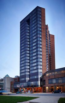 Best Western PLUS Waterfront Hotel - Windsor - Building