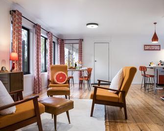 Trathen on Granville - Daylesford - Living room