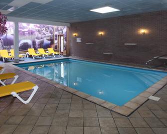 Fletcher Hotel-Restaurant De Zeegser Duinen - Zeegse - Pool