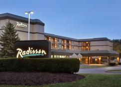 Radisson Inn Akron/Fairlawn - Akron - Building