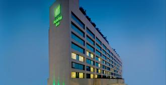 Holiday Inn Mumbai International Airport - Mumbai - Bygning