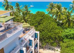 Dhiguveli Maldives - Dhigurah - Outdoors view