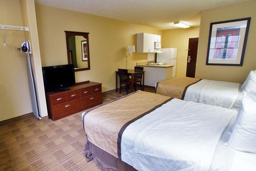 Extended Stay America - Stockton - March Lane - Stockton - Bedroom