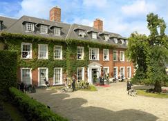 Hayfield Manor - Cork - Building