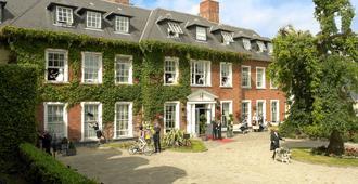 Hayfield Manor - קורק
