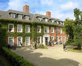 Hayfield Manor - Cork - Rakennus