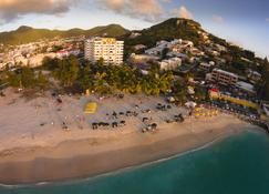 Atrium Beach Resort and Spa St Maarten a Ramada by Wyndham - Симпсон-Бэй - Пляж