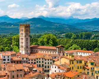 Best Western Grand Hotel Guinigi - Lucca - Pemandangan luar
