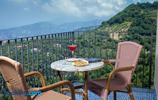 Grand Hotel Due Golfi - Massa Lubrense - Balcony