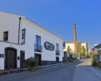 Hotel Capomulini - Dimora Storica - Acireale - Gebouw