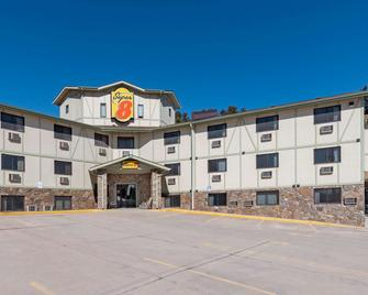 Super 8 by Wyndham Hill City/Mt Rushmore/ Area - Hill City - Building