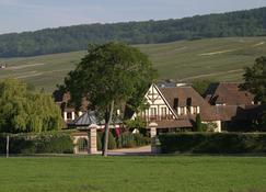 Relais & Châteaux Hostellerie La Briqueterie - Vinay - Rakennus