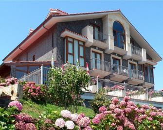 Hotel Azul de Galimar - San Vicente de la Barquera - Building