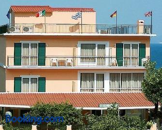 Hotel Perama - Perama - Gebouw