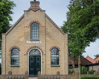 Nobel Hotel - Ameland - Building