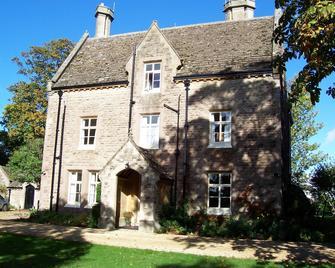 Trimnells House - Chippenham - Building