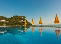 Sky Pool Hotel Sole Garda - Garda - Pool