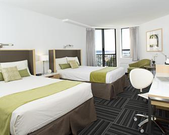 Coast Bastion Hotel - Nanaimo - Bedroom