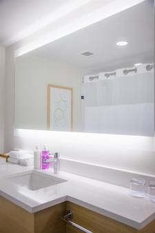 海岸堡壘酒店 - 納奈莫 - 納奈莫 - 浴室