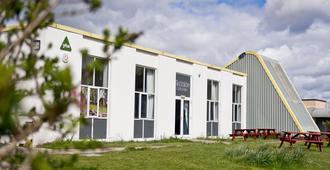 Yha Manorbier - Hostel - Tenby - Gebäude