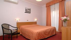Hotel Sorriso - San Remo - Bedroom