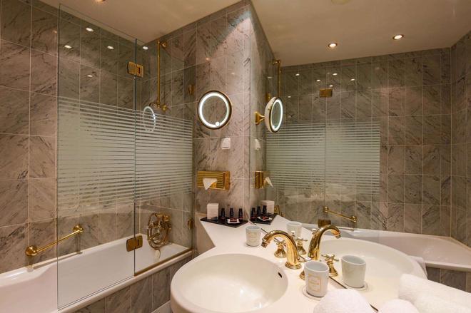 Hotel Halm Konstanz - Konstanz - Bathroom