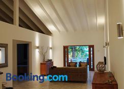 Bantopa Apartments & Villas - Sint Michiel - Sala de estar