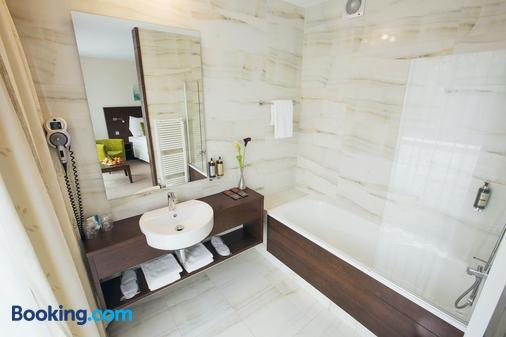 Hotel Zochova Chata - Modra - Bathroom