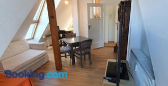 Idyllische Penthouse-Wohnung in super Lage - Munich - Living room