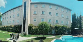 Hotel Gardenia Inn - San Salvador - Building
