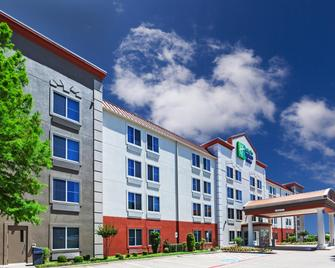 Holiday Inn Express Hotel & Suites Dallas Lewisville - Lewisville - Building