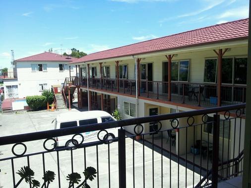 Avondale Motor Inn - Auckland - Balcony