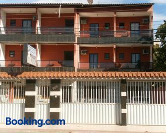 Pousada Da Zeze - Guarapari - Building