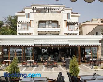 Selena Hotel - Balchik - Κτίριο