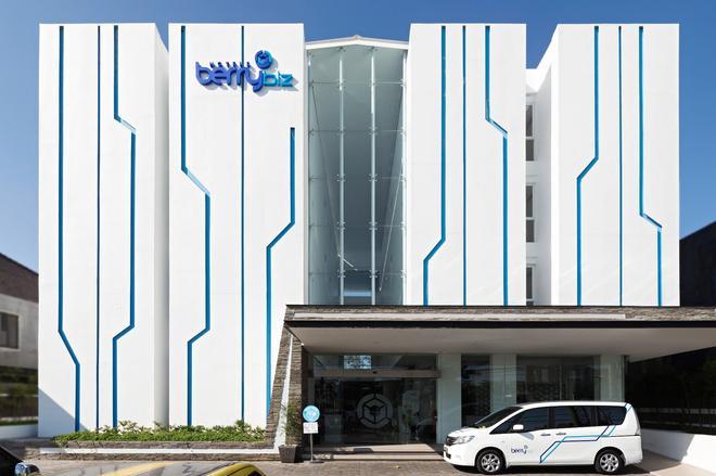 Berry Biz Hotel - Κούτα - Κτίριο