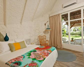 La Pirogue Resort & Spa - Flic en Flac - Bedroom