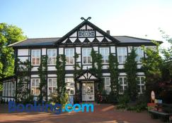 Hotel Zum Goldenen Hirsch - Bad Bevensen - Edificio