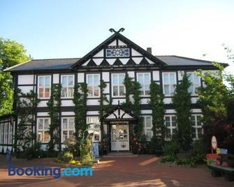 Hotel Zum Goldenen Hirsch - Bad Bevensen - Building